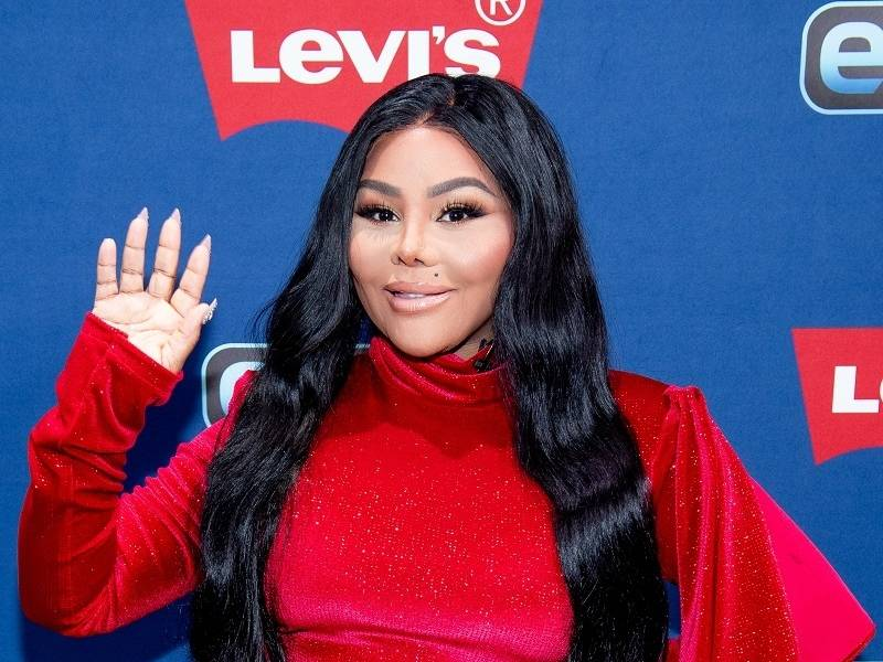 "Lil Kim Returns After 14 Years With ""9"" Album"