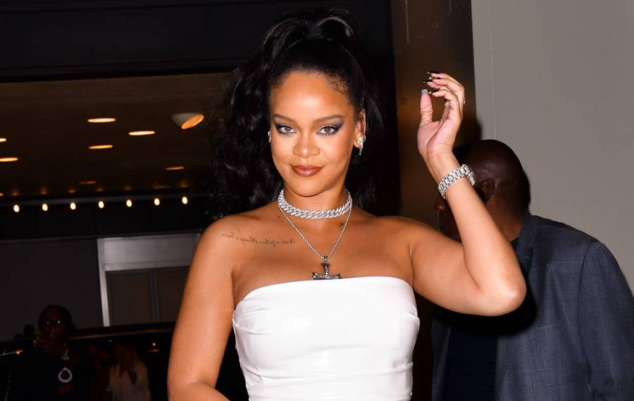 Rihanna Just Walking around Is Good For 10M Instagram Views ... and Counting