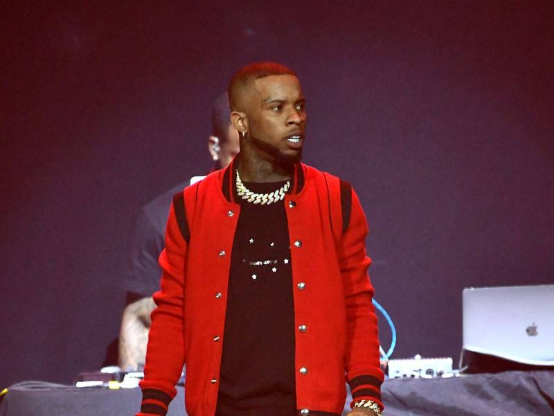 Tory Lanez Threatens To Expose Interscope Records — & Gets Instagram Like From Drake