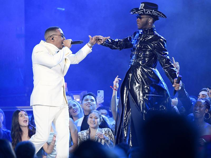 Nas Joins Lil Nas X, BTS & More For 'Old Town Road' & 'Rodeo' At 2020 Grammys