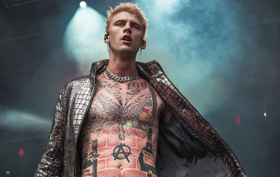 "Machine Gun Kelly Boasts Of 'Kill' Eminem In ""Bullets With The Names Of' Single"