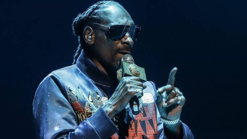 Snoop Dogg Slams NFL Owners For Silence On Racism & NCAA Over Reggie Bush