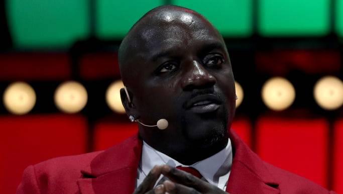 Tekashi 6ix9ine Mocks Meek Mill & YG While Akon Gets Butchered On Twitter For 'Locked Up' Remix