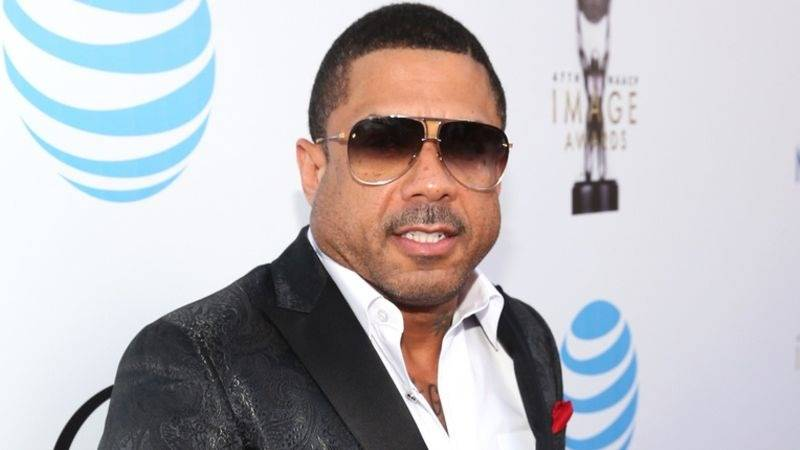 Benzino Punches Inmate's Tooth Into His Hand