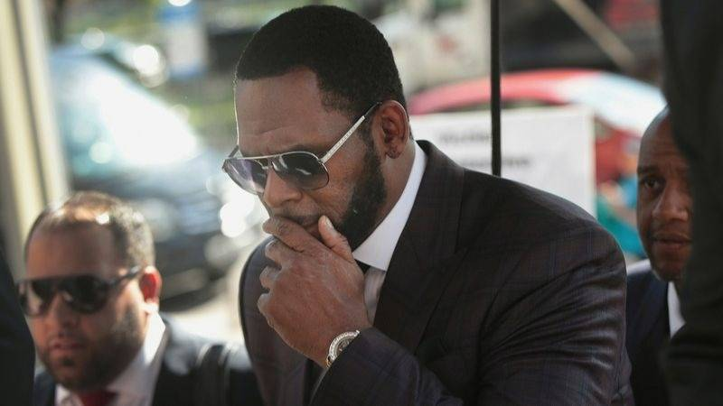3 Of R. Kelly's Friends Arrested In Intimidation Plot Against Alleged Victims