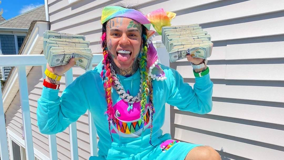 6ix9ine Admits He's 'Not Happy' During Trip To Dominican Republic