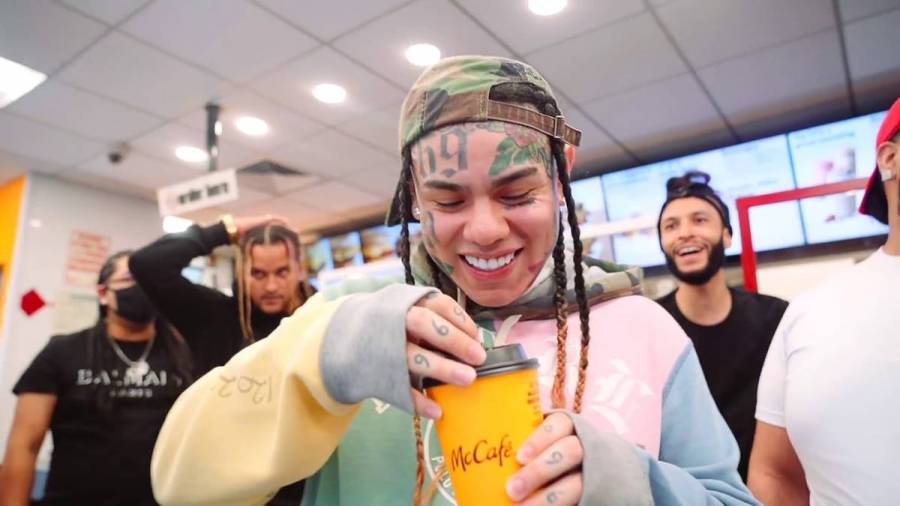 Tekashi 6ix9ine Mocks Lil Durk For Not Dropping Album On Same Day As Him