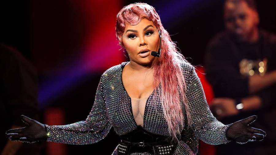 Mary J. Blige Reminds Nicki Minaj, Cardi B & Megan Thee Stallion Fans Lil Kim Was The Real 'Trailblazer'