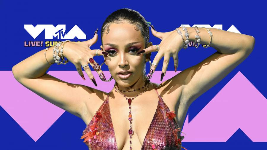 Doja Cat Refuses To Beef With Nas: 'I Love Him'