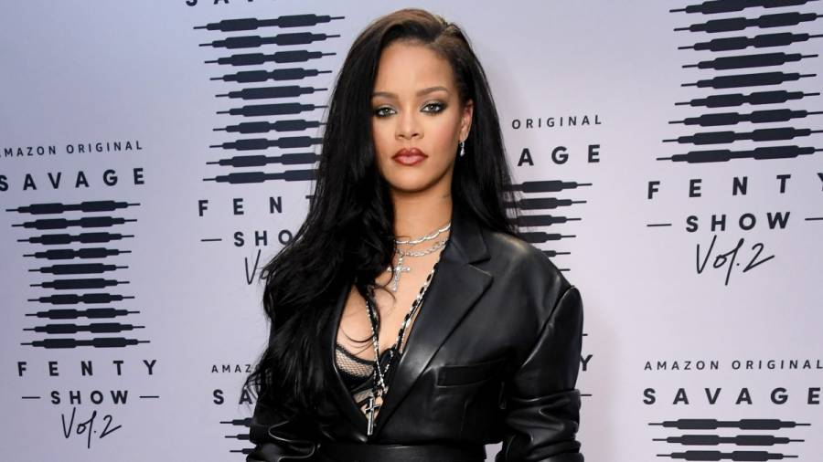 Rihanna Apologizes To The Muslim Community For Song Played At Her Savage X Fenty Show