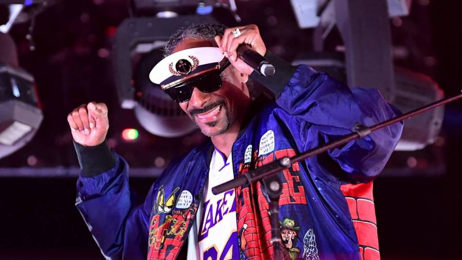 Snoop Dogg Makes AWE Wrestling Cameo — Froggystyle
