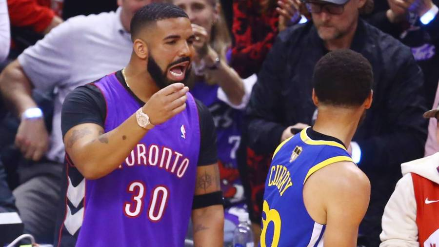 Drake Was Once Fined $500 By Golden State Warriors After Flying On Team Plane With Steph Curry