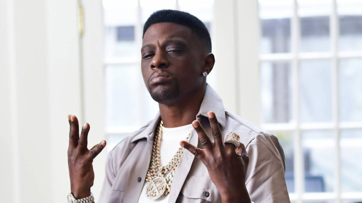Boosie Badazz & Rapper Trouble Are Team Quavo With Saweetie Elevator Video Comments