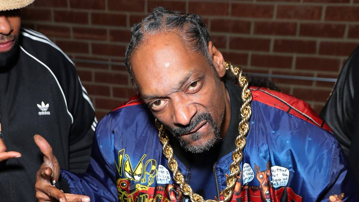 Snoop Dogg Clowns Wack Rapper Concert Lyrics With Instagram Meme