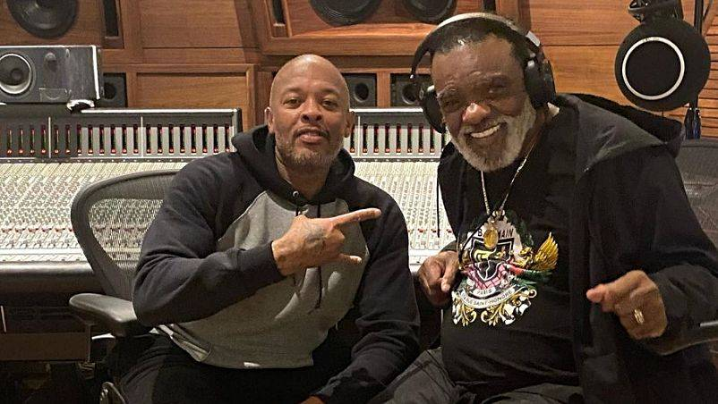 Dr. Dre Hits Studio With Ron Isley Before Epic Verzuz With Earth Wind & Fire