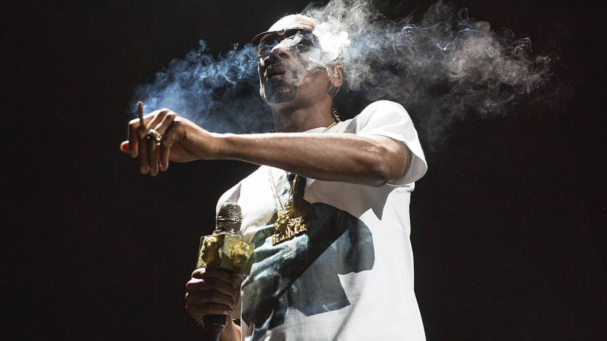Snoop Dogg Suggests He's Smoked Weed With Barack Obama