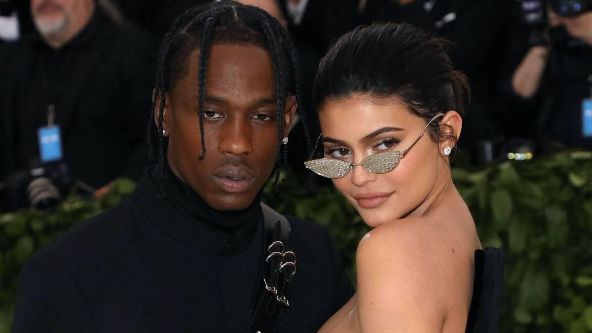 Travis Scott & Kylie Jenner Spark Romance Rumors Following Miami Birthday Bash