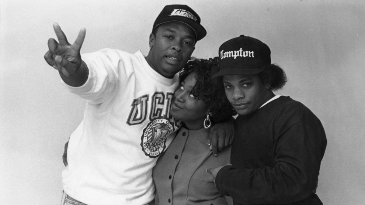 Dr. Dre's Ex-Fiancée Michel'le Denies Gay Allegations Involving 2Pac