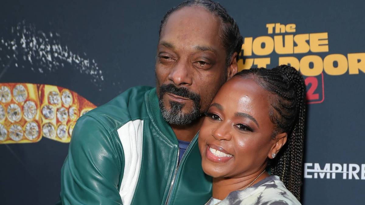 Snoop Dogg Hires Wife Shante Broadus As New Manager