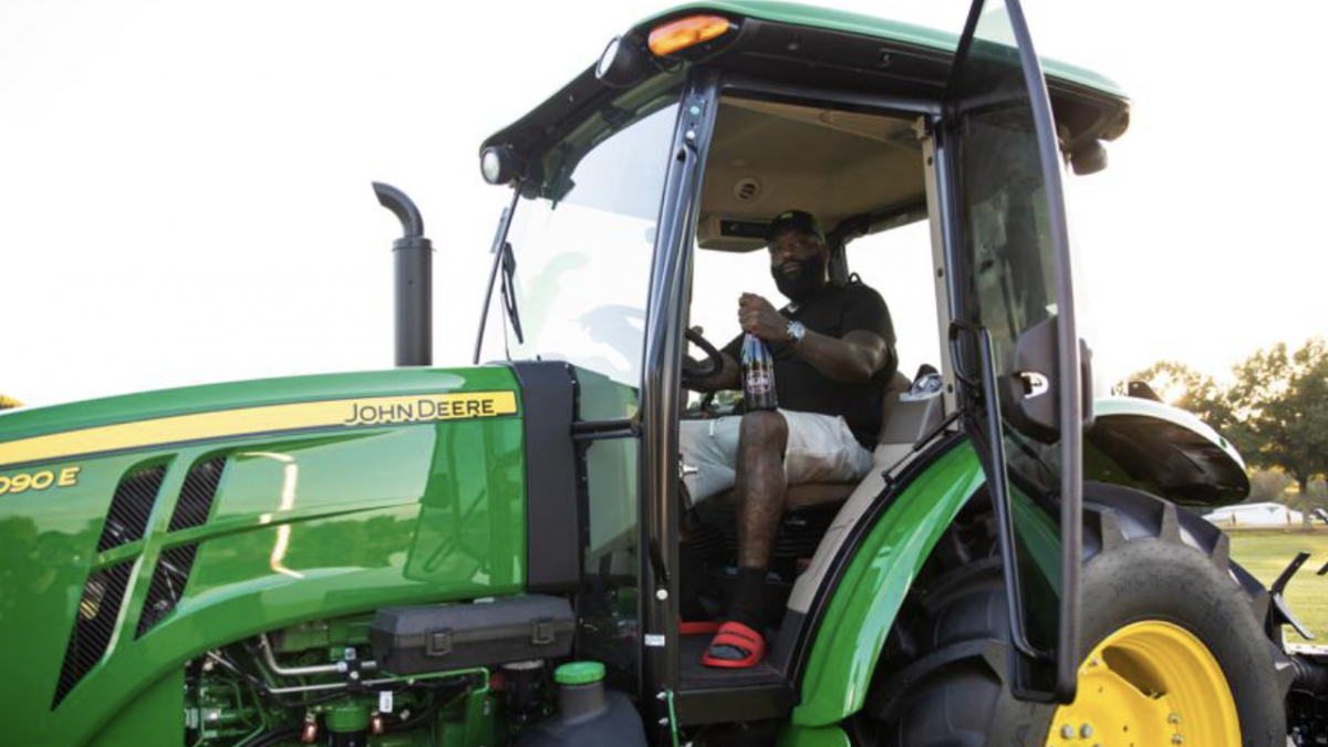 Rick Ross Cuts His Own Grass & Flies Delta