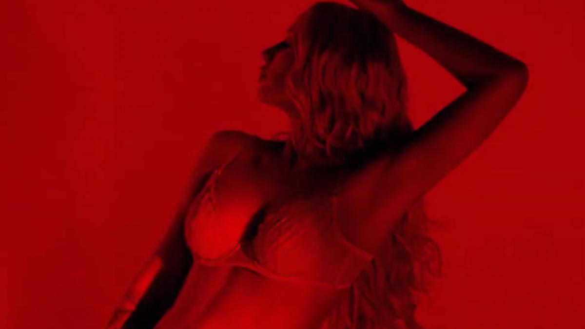 Iggy Azalea Drops Lingerie-Clad Photoshoot To Promote 'Devil's Advocate' Fragrance