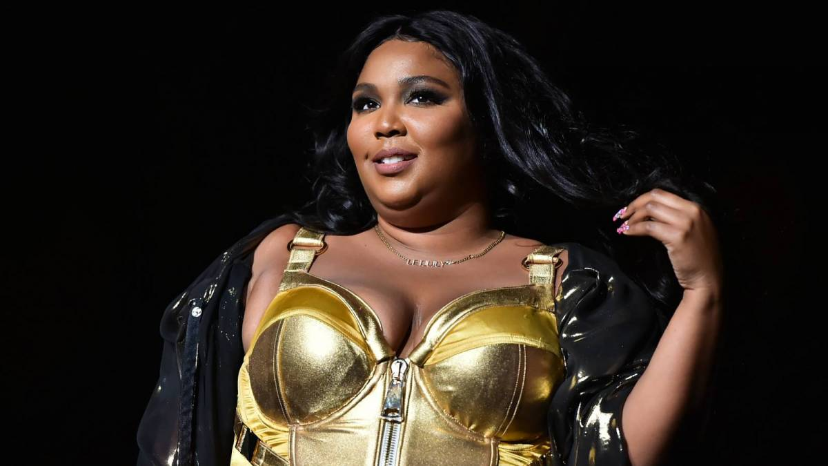 Lizzo Missed 2021 MTV VMAs Because She Was Getting Her 'Back Blown Out'
