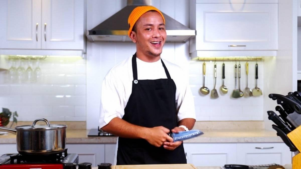 Watch Tuan Tigabelas Host A Cooking Show In Latest Downtempo Track, 'Ooh La La'