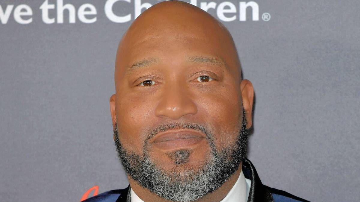 Bun B Breaks Out Pocket Full Of Tools To Help Houston Cop & Stranded Houstonian