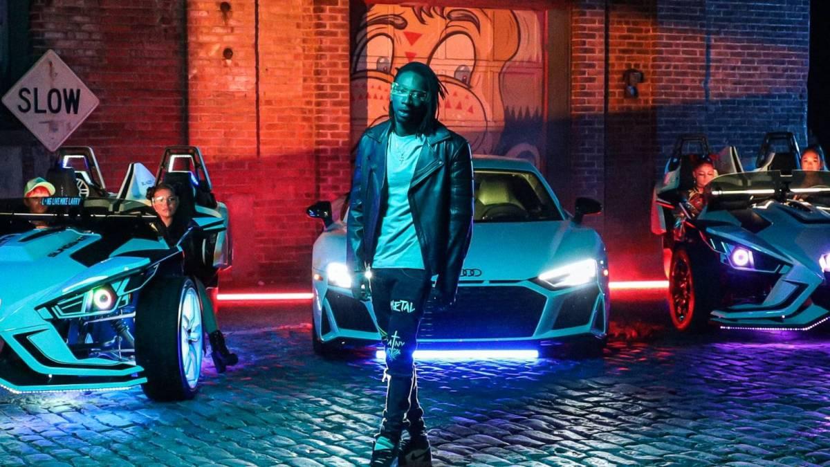 Brooklyn Rapper Iceberg Black Shines In Futuristic 'Spaceships & Hoodbitches' Video