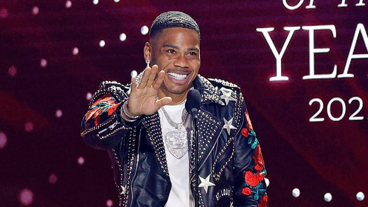 Nelly Dragged By St. Lunatics Rapper Ali After He Flubs 'CMT Artists Of The Year' Speech